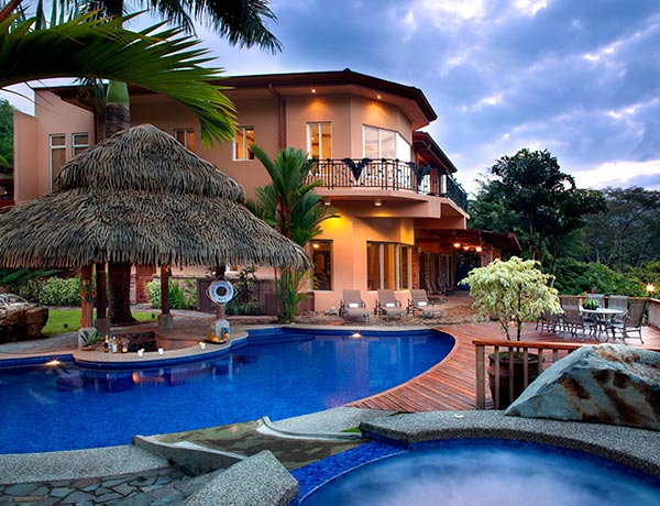 stayincostarica-lossuenos-accommodations-oasis3